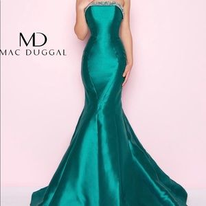 Emerald Green Mac Duggal Mermaid Evening Gown Prom